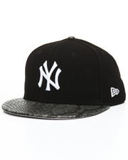 NBA, MLB, NFL Gear - 9Fifty Faux Nubuck & Metallic New York Yankees Snapback