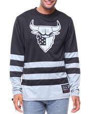 Men - Color Block Jersey With Bull Appq