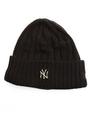 NBA, MLB, NFL Gear - New York Yankees Badge Slick Knit Hat