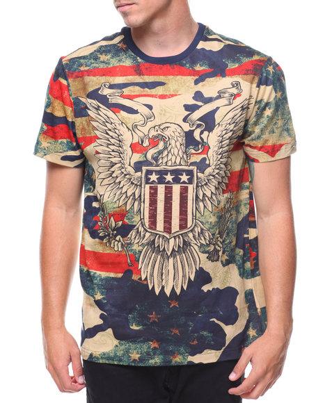 Akademiks - S/S Crest Flag Americana Camo Tee