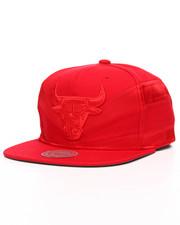 Mitchell & Ness - Chicago Bulls Satin Slash Snapback Hat-2201223