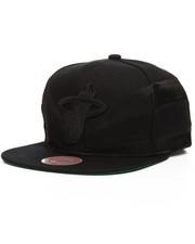 Mitchell & Ness - Miami Heat Satin Slash Snapback Hat-2201236