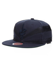 Mitchell & Ness - Cleveland Cavaliers Satin Slash Snapback Hat     -2201222