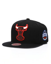 NBA, MLB, NFL Gear - Chicago Bulls Silicone Grass Snapback Hat-2218025