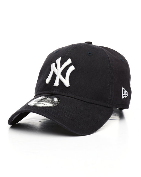 Buy 9Twenty Core Classic Yankees Dad Hat Men s Hats from New Era ... e1b0bca4a88