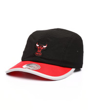 new product d2e89 7cf42 Mitchell   Ness - Chicago Bulls Collapse Runner Strapback Hat-2218029
