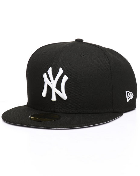 Buy MLB Basic 59Fifty New York Yankees Fitted Hat Men s Hats from ... 3b016138a42