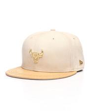 NBA, MLB, NFL Gear - Black Label 9Fifty Chicago Bulls Gold Badge Strapback Hat-2229843