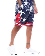 Mitchell & Ness - CHICAGO BULLS  4th of July Swingman Shorts-2233585