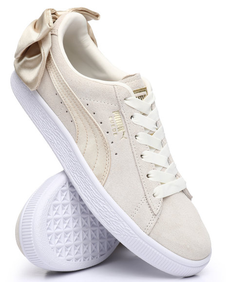 9593b908 ... cheap puma suede bow varsity sneakers a0dee 8e5eb