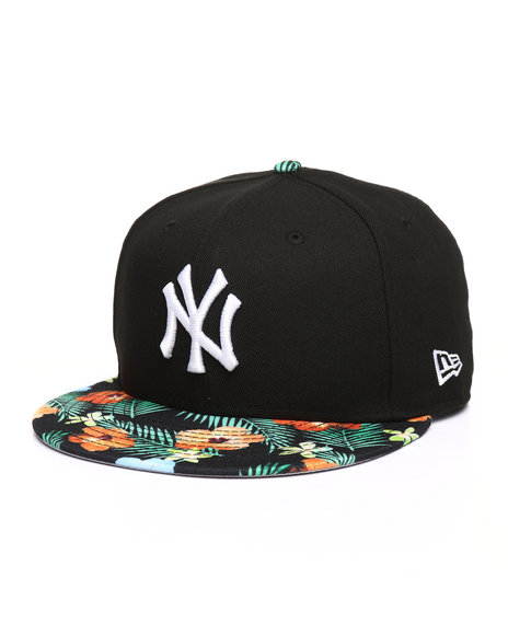 dc60e8a5c65 Buy 9Fifty New York Yankees Floral Snapback Hat Men s Hats from New ...