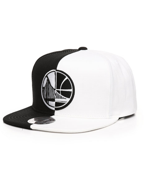 best sneakers 2839a a4f41 Mitchell   Ness - Golden State Warriors Black White Split Snapback Hat