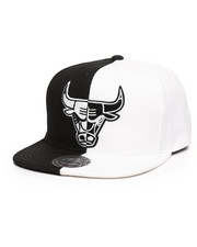 Mitchell & Ness - Chicago Bulls Black/White Split Snapback Hat-2250883