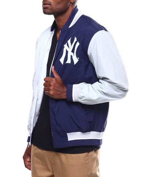 77677bb2c Buy NEW YORK YANKEES Team History Warm Up Jacket 2.0 Men s Outerwear ...