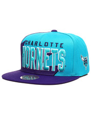 Mitchell & Ness - Charlotte Hornets Shark Tooth Snapback Hat-2285282