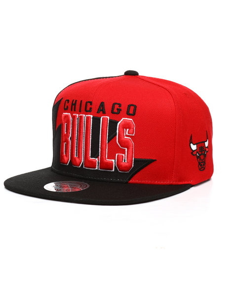Mitchell & Ness - Chicago Bulls Shark Tooth Snapback Hat