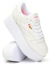 Reebok - Reebok x Gigi Hadid Classic Leather Triple Platform Sneakers-2314857