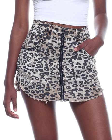 Almost Famous - Animal Print Zip Front Raw Edge Skirt