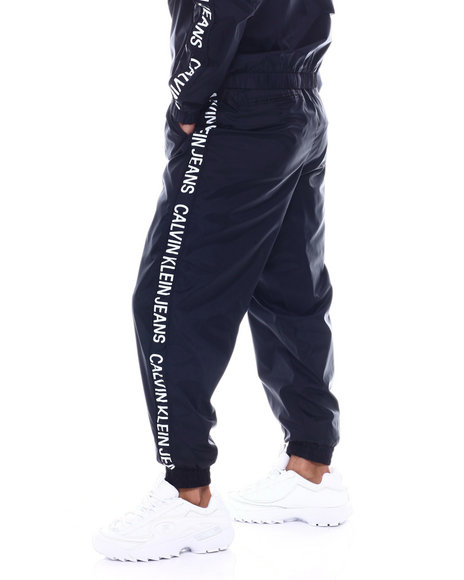 Calvin Klein - INSTITUTIONAL STRIP NYLON LOGO JOGGER