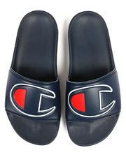 Sandals - IPO Slides-2326136