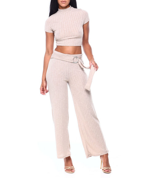 Almost Famous - Set: Rib Hacci Mock Neck S/S Top & Belted Pant
