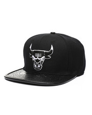 Pro Standard - Chicago Bulls Leather Buckle Hat-2432219