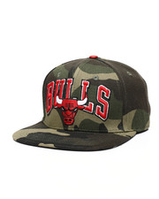 NBA, MLB, NFL Gear - Chicago Bulls Wordmark Logo Hat-2448304