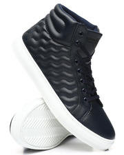 Buyers Picks - Fashion Sneakers-2476855