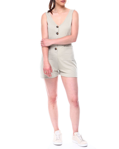 Fashion Lab - Rib slvless double vee neck front button placket romper w/front pockets
