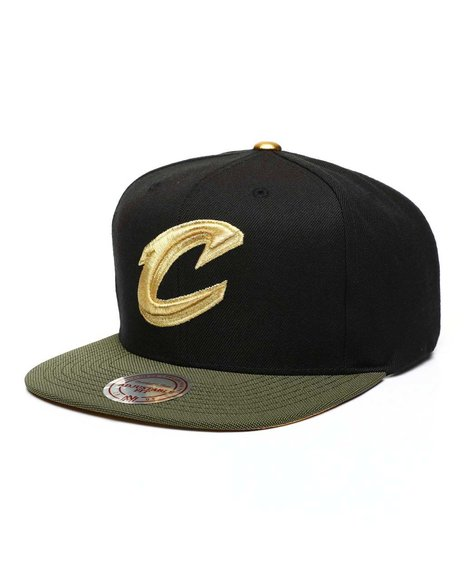 Mitchell & Ness - Cleveland Cavaliers Gold Tip Snapback Hat