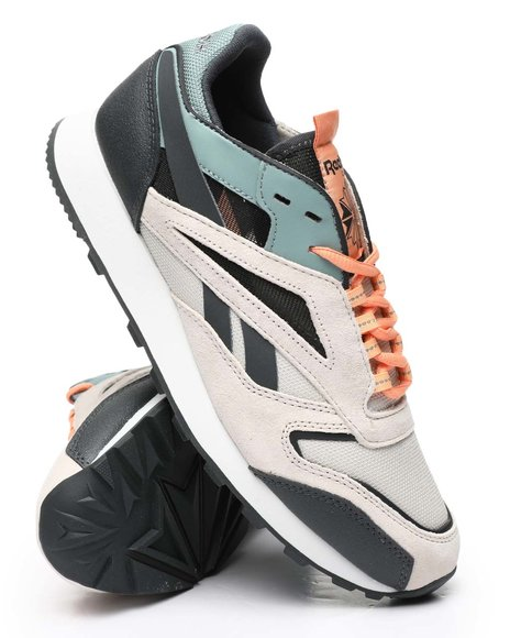 Reebok - CL Leather Trail Sneakers