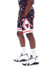 Mitchell & Ness - BULLS Tear Up Pack Short-2525729
