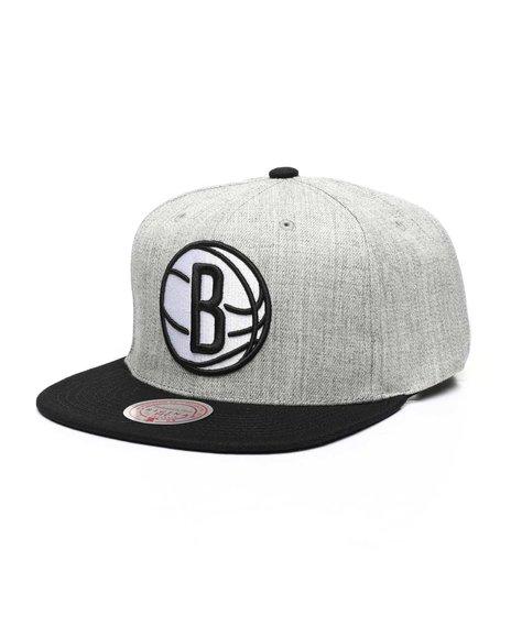Mitchell & Ness - Brooklyn Nets Pop Snapback Hat