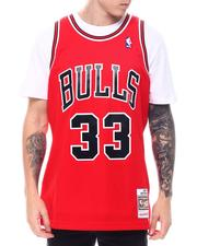 Mitchell & Ness - CHICAGO BULLS Swingman Jersey - Scottie Pippen-2571252