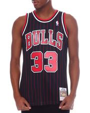 Mitchell & Ness - CHICAGO BULLS Swingman Jersey - Scottie Pippen-2595577