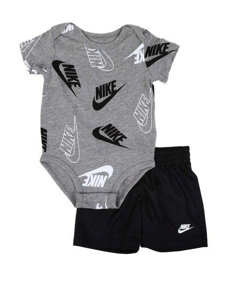 Nike - 2 Pc JDI Confetti Bodysuit & Shorts Set (Infant)