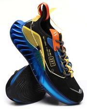 Buyers Picks - Fashion Sneakers-2652613