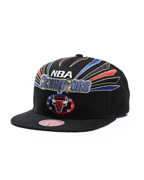 Mitchell & Ness - Chicago Bulls 98 Bulls Champions Strapback HWC