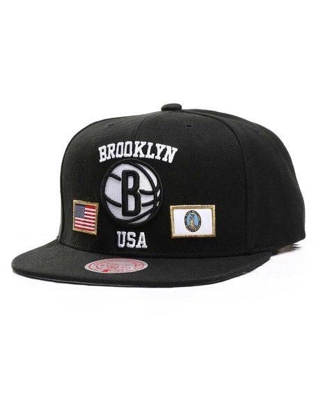 Mitchell & Ness - Brooklyn Nets USA City Pride Snapback Hat