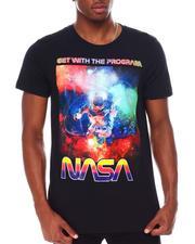 Akademiks - NASA Floating Astronaut GRAPHIC Tee-2681397