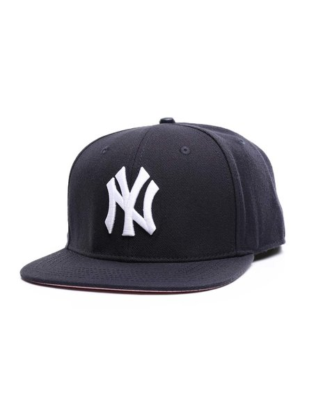 Pro Standard - New York Yankees Logo 1996 World Series Snapback Hat