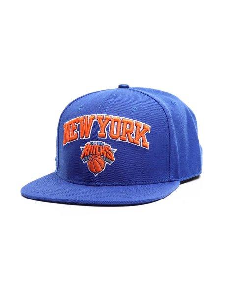 Pro Standard - New York Knicks Stacked Logo Snapback Hat