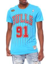 Mitchell & Ness - CHICAGO BULLS Reload 2.0 Name & Number Tee - Dennis Rodman-2697370